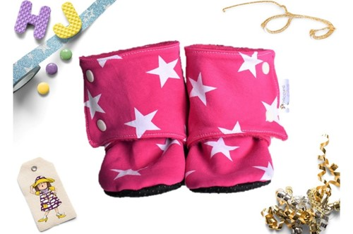 Click to order 18-24m Fleece Stay on Booties Hot Pink Stars now